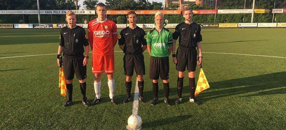 Voetbalscheidsrechters delen tips en ervaringen in blogreeks na testen AXIWI communicatiesysteem